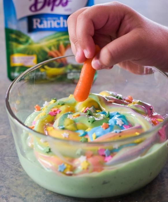 Как приготовить «единорожий йогурт» и приучить детей кушать овощи