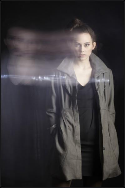 Стильное пальто Vega One не позволит потеряться в темноте