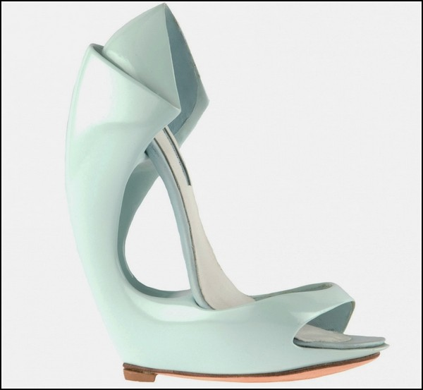 Скульптурные каблуки и платформы от Виктории Спрюс
