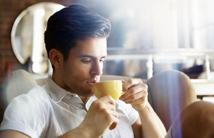 Любишь пить кофе – люби и пятна выводить.