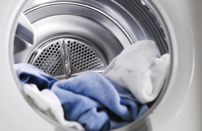 Как освежить одежду без стиральной машины