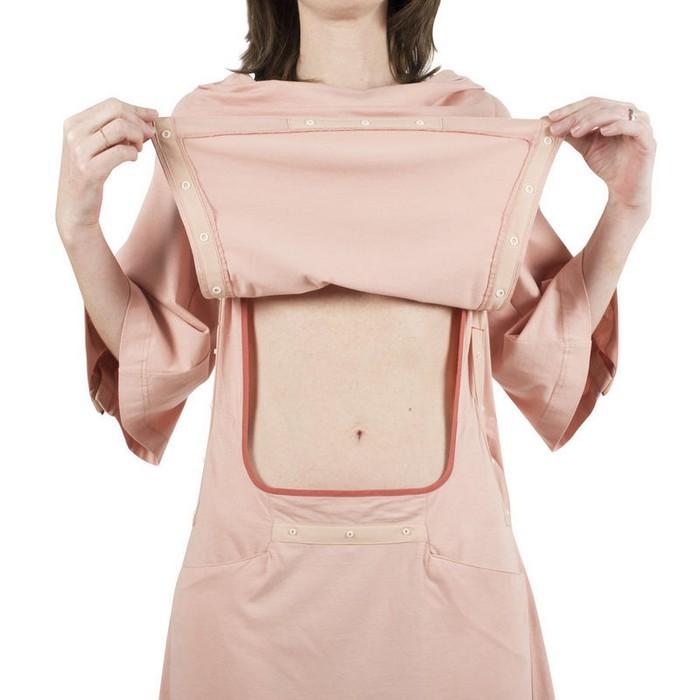 Удобные застёжки на больничной одежде Inga WellBeing