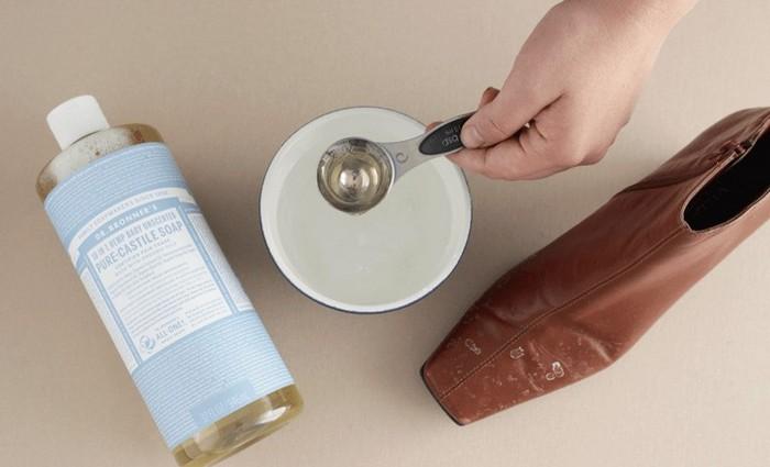 Разводим мыло в тёплой воде