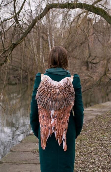 «Ангельские» рюкзаки с крыльями от белорусского дизайнера