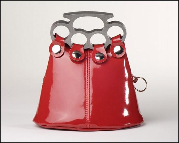 Обзор самого женского оружия: хулиганская сумочка-кастет