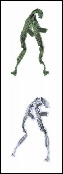 Обзор самого женского оружия: стильные шарфы АК-47 от Diesel