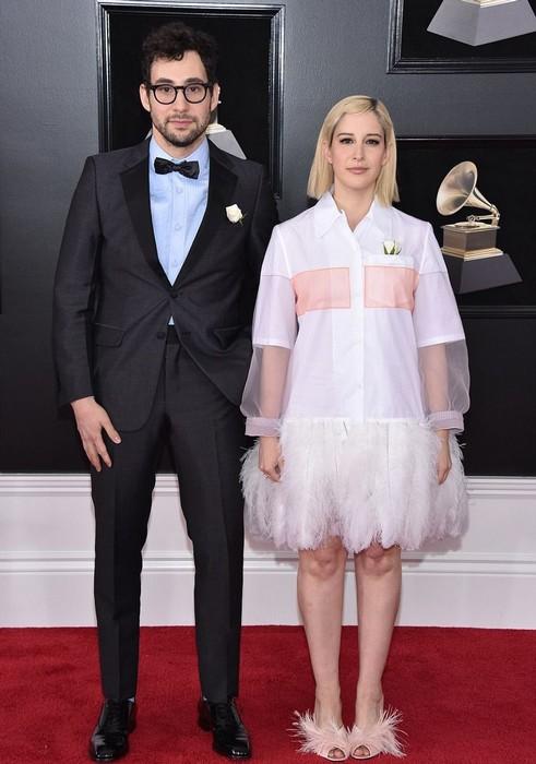 Дизайнер Рейчел Антонофф со спутником и странным платьем.