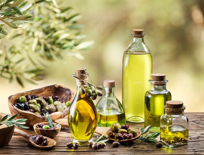 Устраняем неприятные запахи после готовки: оливковое масло.