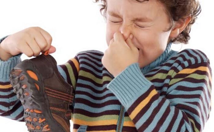 Любая обувь может «попахивать». Особенно, если стелька изготовлена из ткани