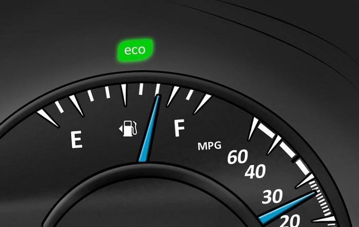 Эко-индикатор не несет реальной пользы/ Фото: yourmechanic.com