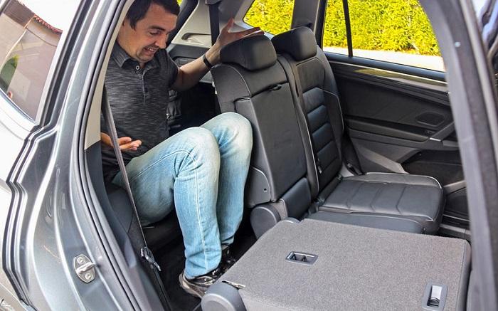 Для кого придумали тесные сиденья третьего ряда? Фото: avtopoisk.ru