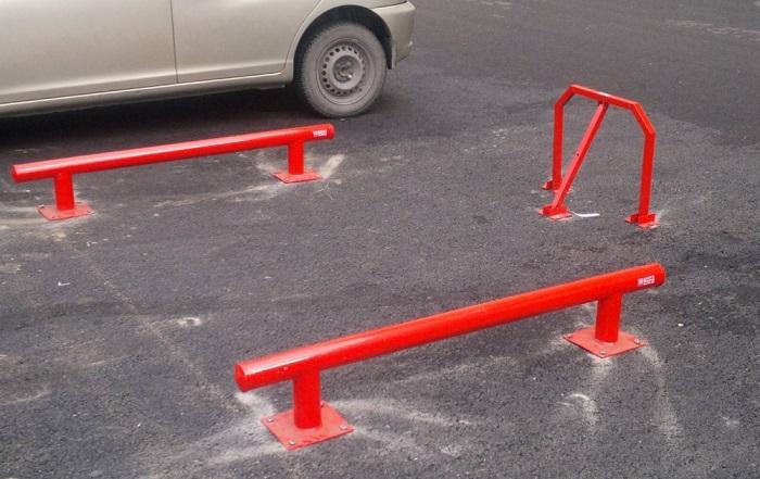 Барьеры для ограждения парковочного места/ Фото: ru.all.biz