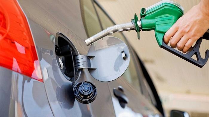 Заправка качественным топливом не даст воде попасть в выхлопную систему/ Фото: autotheme.info