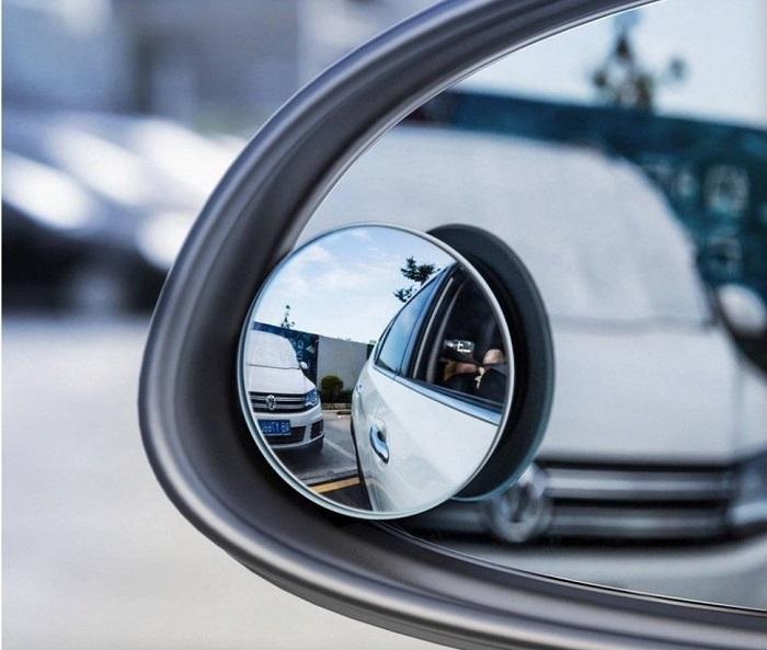 Зеркала для «слепых» зон позаботятся о безопасности автомобиля/ Фото: mirishop.ru