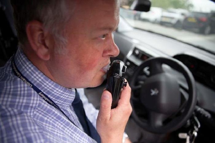 В автомобилях Франции должен быть алкотестер/ Фото: thelocal.fr