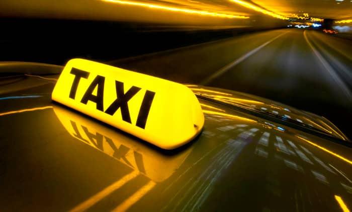 Автомобили такси часто накапливают много электричества/ Фото: barcelonatm.ru