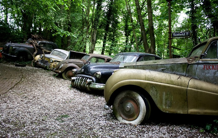Остатки былых автомобильных легенд/ Фото: vielweib.de