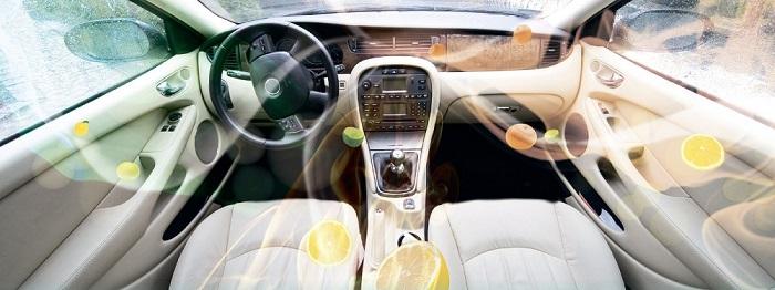 Распылитель духов внутри салона автомобиля/ Фото: drive2.com