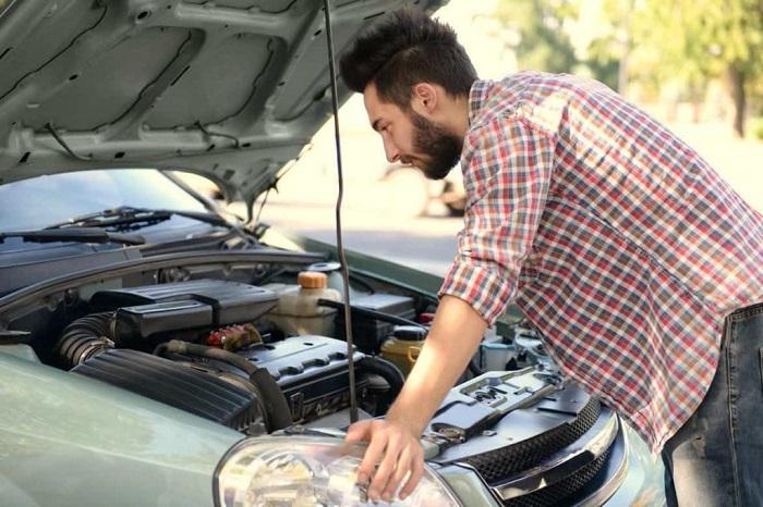 Самостоятельный ремонт может быть очень дорогим/ Фото: autotexcentr.ru