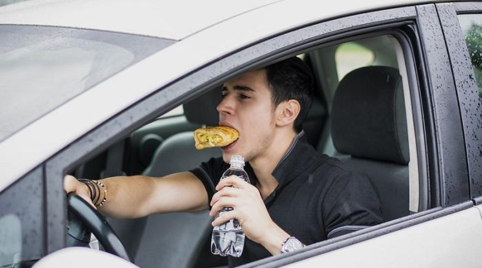 Запрет на еду в автомобилях на Кипре/ Фото: megadealernews.com