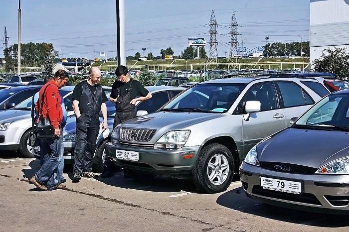 При осмотре машины обращайте внимание на поведение продавца/ Фото: drivenn.ru