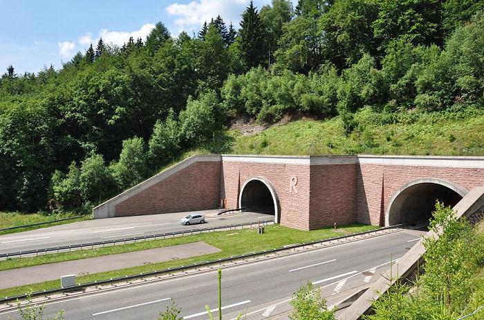 Туннель Реннштайг/ Фото: rennsteig.de