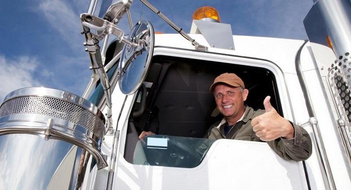 Водитель большегрузного автомобиля/ Фото: fb.ru