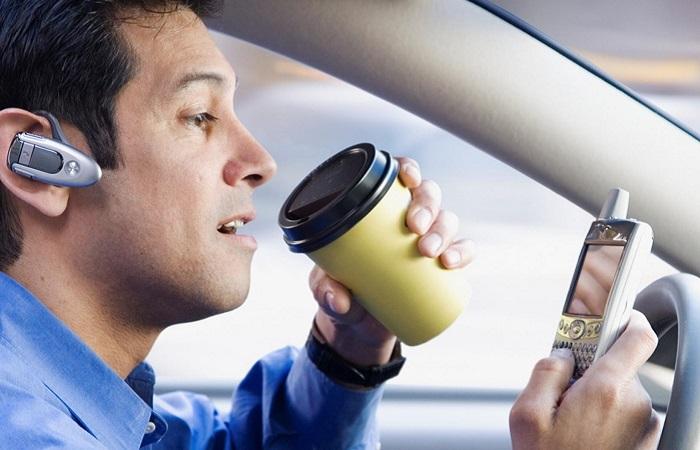 Как водитель может нанести вред себе и собственному автомобилю?/ Фото: pdd-news.ru
