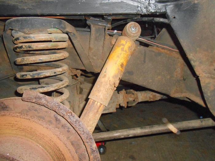 Разъедаемая ржавчиной система амортизации машины/ Фото: ebay.com