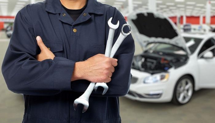 Многие автомобильные проблемы исправят лишь на СТО/ Фото: vetturabr.com