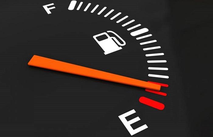 Высокое потребление бензина/ Фото: amastercar.ru