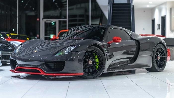 Porsche 918 разгоняется до 345 км/ч