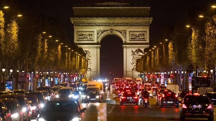 Вечерний Париж/ Фото: cnn.com