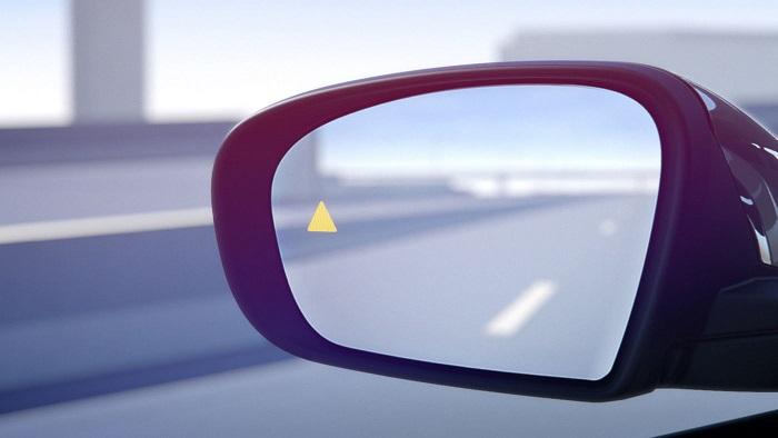 Без каких опций трудно обойтись современному водителю?/ Фото: maserati.com