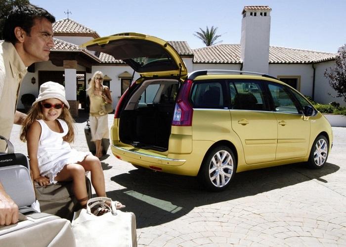 Автомобиль для большой семьи/ Фото: autocitroen.ru