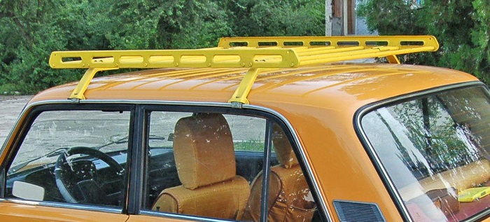 Багажник на крыше – неплохое решение для ночевок и путешествий/ Фото: semerkavaz.ru