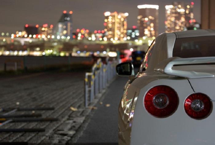 В людных в дневное время местах ночевать не рекомендуется/ Фото: auto.ria.com