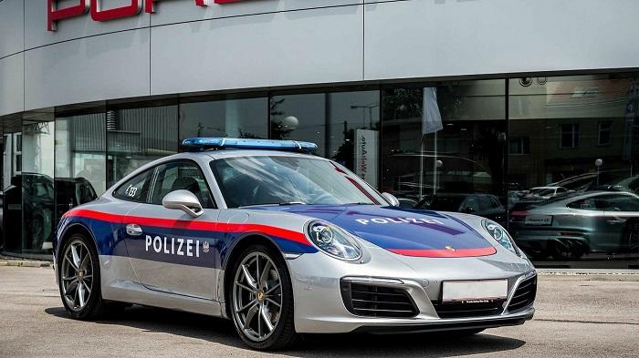 Полицейский Порше в Германии/ Фото: newsroom.porsche.com