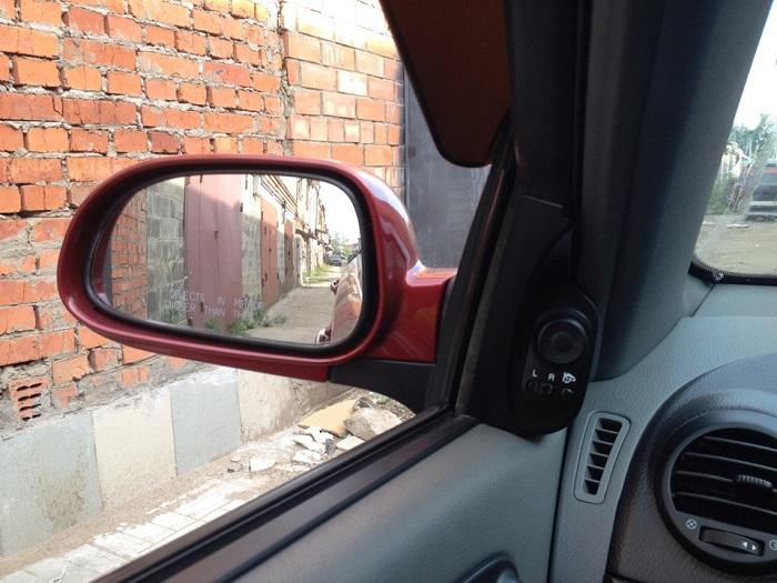 Зеркала заднего вида тоже могут потреблять электроэнергию/ Фото: drive2.ru