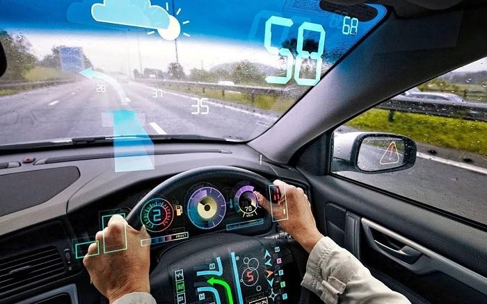 Какие гаджеты могут упростить управление автомобилем/ Фото: youtube.com