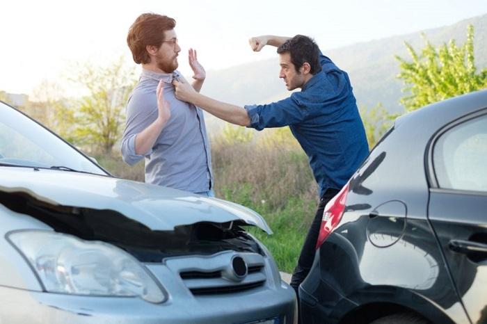 Если конфликт неизбежен, будьте готовы к защите/ Фото: smartmotorist.com