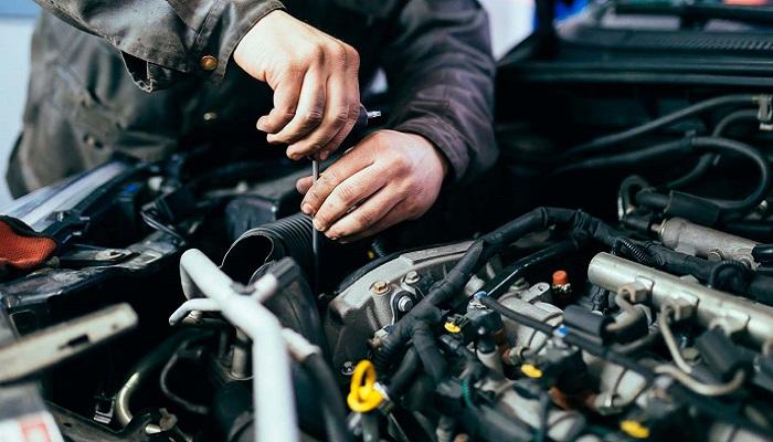 Есть машины, двигатели которых нуждаются в постоянном ремонте/ Фото: ms-48.ru