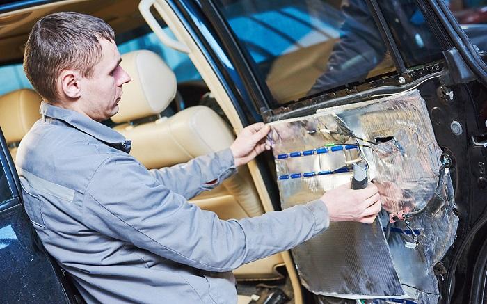 Что можно сделать для устранения шума от автомобильных дверей/ Фото: zr.ru