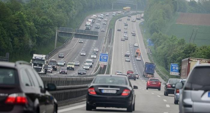 Езда в потоке других машин/ Фото: avtotema.mediasalt.ru