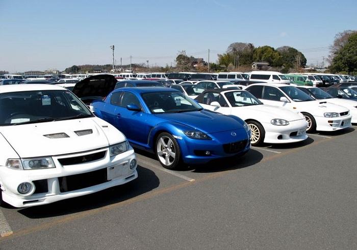 Какие автомобили дороже?/ Фото: quora.com