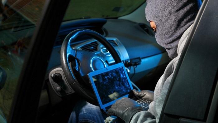 Насколько велика вероятность дистанционного взлома машины?/ Фото: komando.com