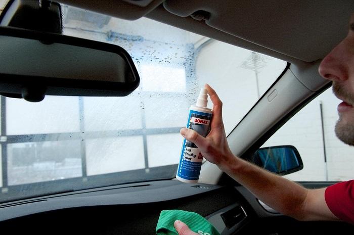 Как предупредить запотевание стекол машины/ Фото: automobile-zip.ru