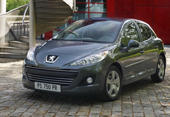 Peugeot 207 может терять много масла/ Фото: drom.ru