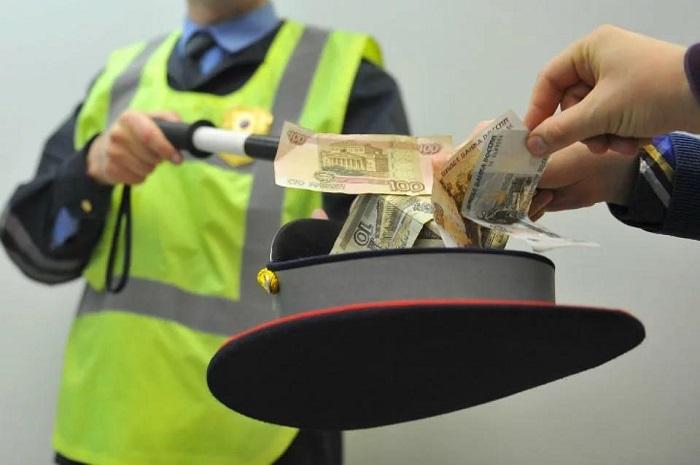 Предложене взятки сотруднику полиции чревато арестом/ Фото: drivenn.ru