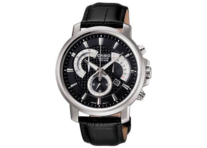 Мужские японские наручные часы Casio BEM-511L-7A с хронографом.